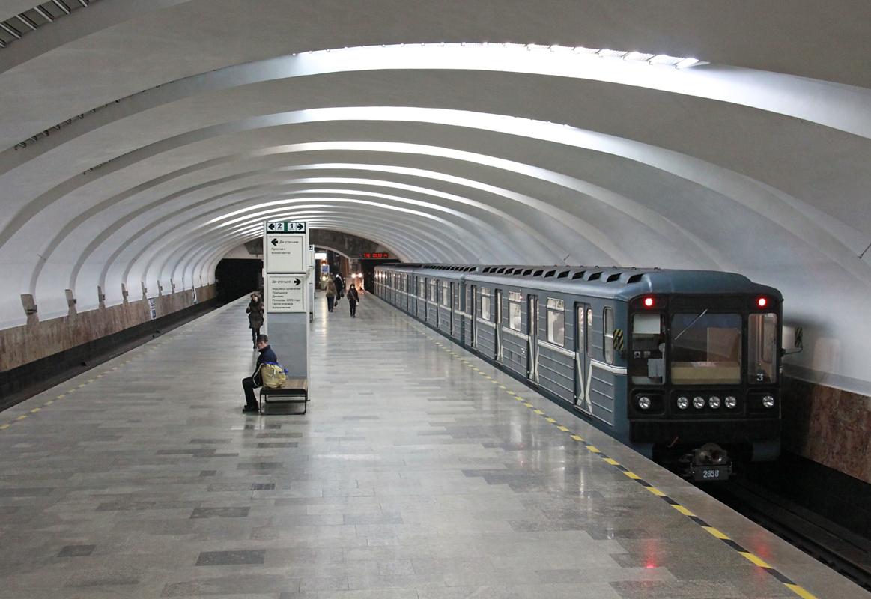 Картинки по запросу метро екатеринбург станции